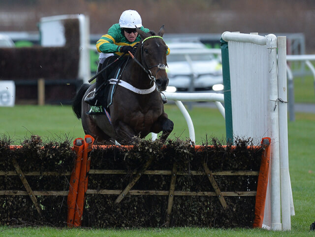 Buveur D'Air wins the Fighting Fifth Hurdle