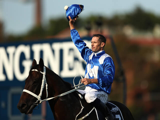 Winx wins the Longines Queen Elizabeth Stakes